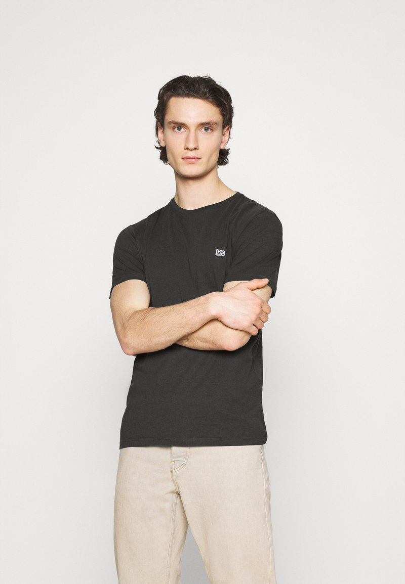 Lee - PATCH LOGO TEE - T-shirt - bas - washed black