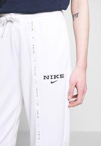 Nike Sportswear - PANT - Joggebukse - white/black - 4