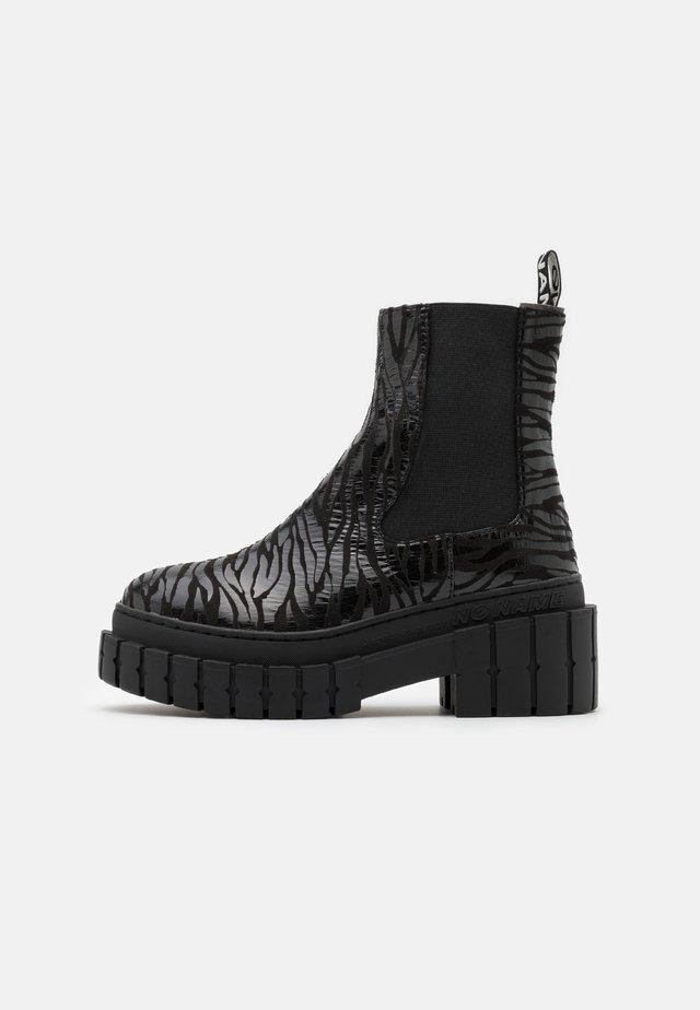 KROSS CHELSEA - Platform ankle boots - black