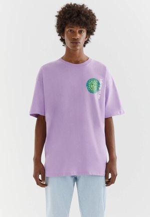 WITH MAYA ILLUSTRATION - Print T-shirt - mauve