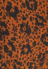 TOM TAILOR DENIM - SMOCKED NECK - T-shirt à manches longues - brown - 2