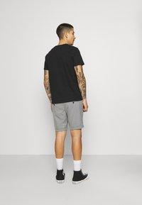 Jack & Jones PREMIUM - JJICONNOR - Shorts - grey melange - 2