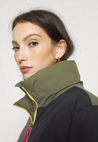 Vans - SUPPLY PUFF - Light jacket - grape leaf - 3