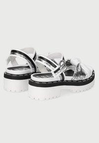 LIU JO - WITH LOGO - Sandály na platformě - white - 2
