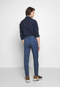 PS Paul Smith - MENS TROUSER PLEATED - Stoffhose - blue - 2