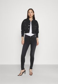 Tommy Jeans - NORA SKINNY - Jeans Skinny Fit - ceasar black - 1