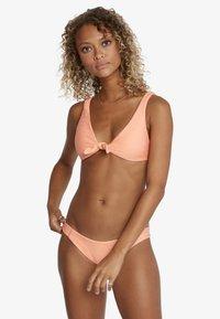 RVCA - Bikini top - coral - 0