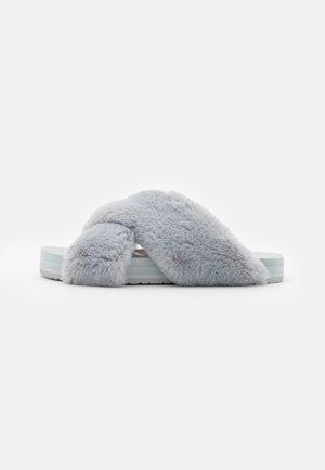 SUSIE EVA - Pantofle - grey