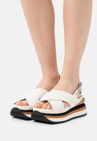 Gioseppo - Platform sandals - blanco - 0
