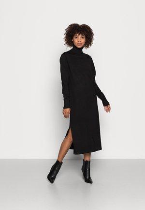 MILA ROLL NECK LONG DRESS - Pletené šaty - black