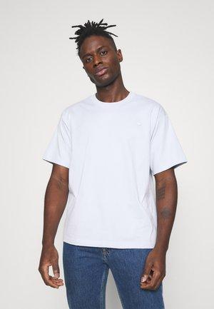 PREMIUM TEE UNISEX - T-shirt basic - halo blue