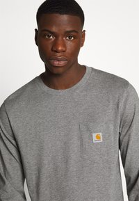 Carhartt WIP - POCKET  - Long sleeved top - dark grey heather - 4