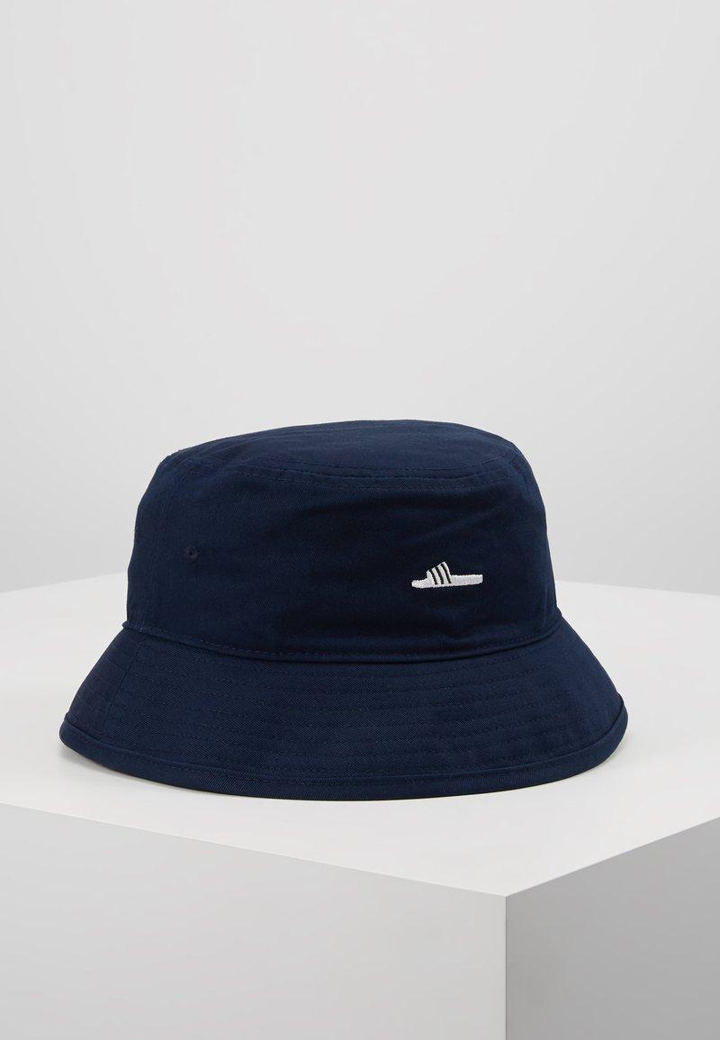 adidas Originals - ADILETTE BUCKET - Hat - collegiate navy/white