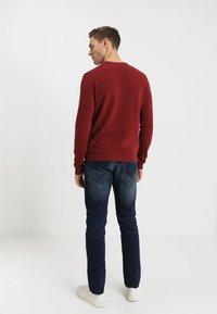 TOM TAILOR DENIM - PIERS - Slim fit jeans - dark stone wash denim - 2