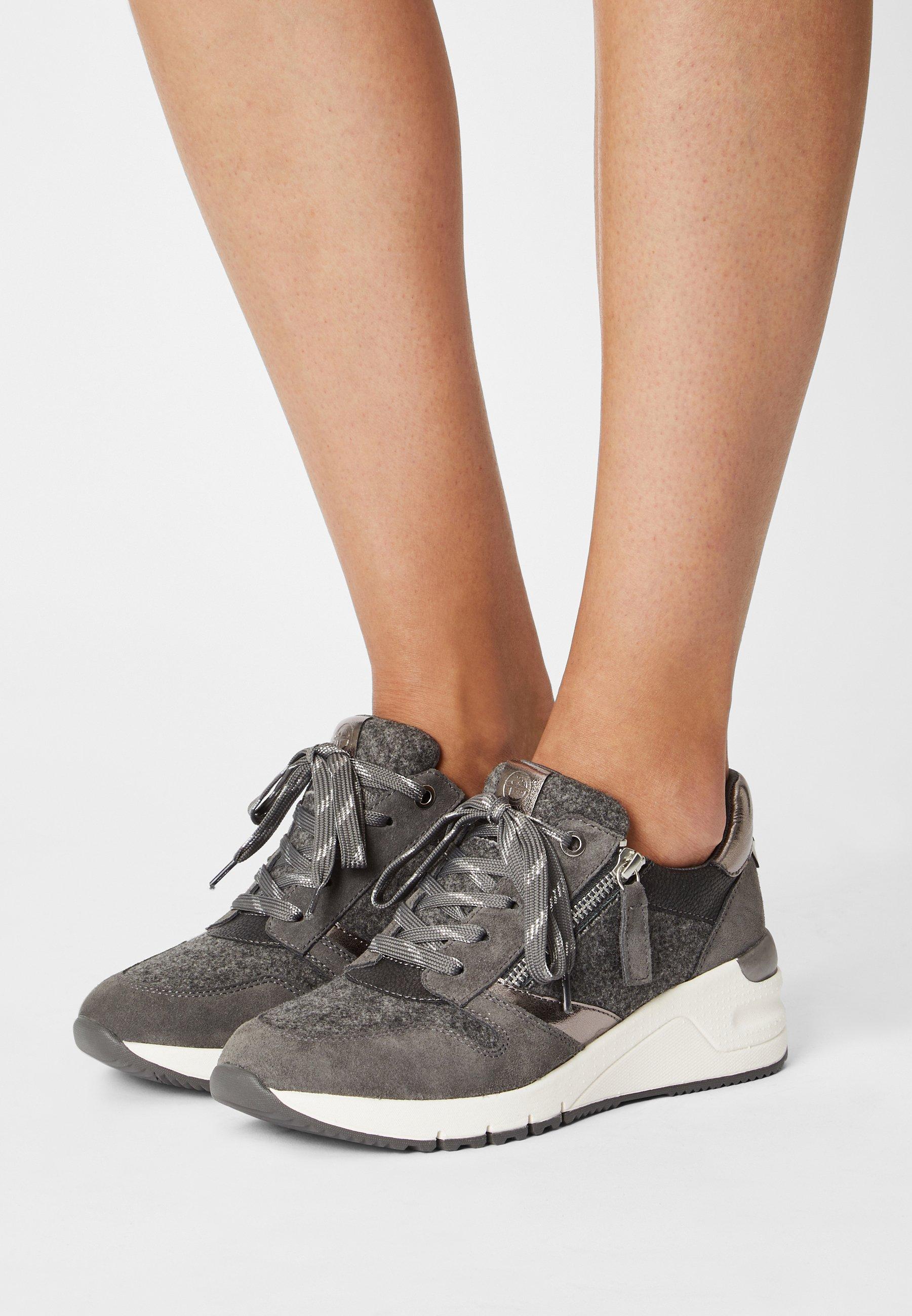 Women Trainers - grey