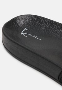 Karl Kani - SIGNATURE - Badsandaler - black - 4