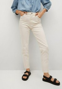 Mango - Jeans Tapered Fit - off white - 0