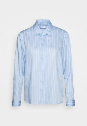 LANGARM - Button-down blouse - hellblau