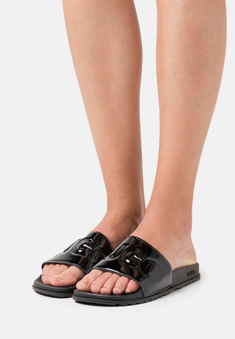 HUGO - MATCH OUT SLIDE - Pantofle - black