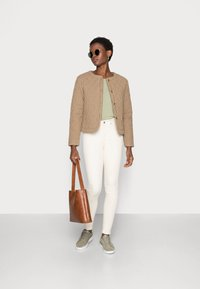 esmé studios - RADA SHORT QUILT JACKET - Light jacket - check tannin/grape leaf - 1