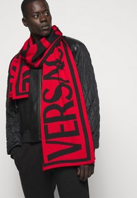 Versace Jeans Couture - UNISEX - Scarf - ruby/black - 0