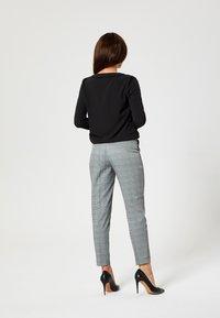 usha - Trousers - gray - 2