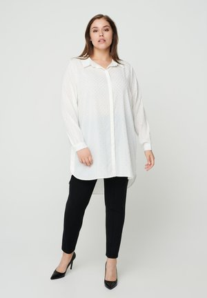 MIT NIETEN - Button-down blouse - off-white