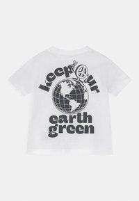 GAP - TODDLER BOY EASY TEE - Camiseta estampada - white - 1