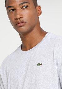 Lacoste Sport - HERREN - T-shirt - bas - argent chine - 4