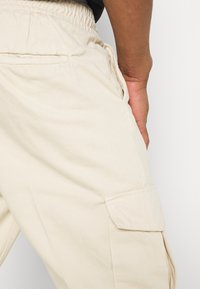 Redefined Rebel - JACOB PANTS - Cargo trousers - sandshell - 5