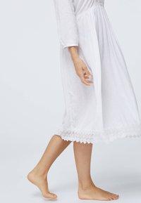OYSHO - Noční košile - white - 4