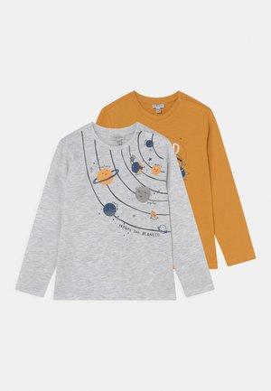 BABY SPACE 2 PACK - Camiseta de manga larga - beeswax/nimbus cloud