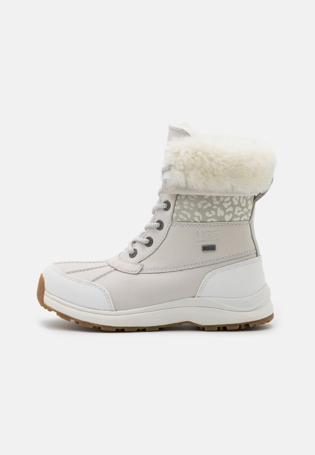 ADIRONDACK LEOPARD - Snowboots  - white