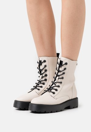 Platform ankle boots - ice