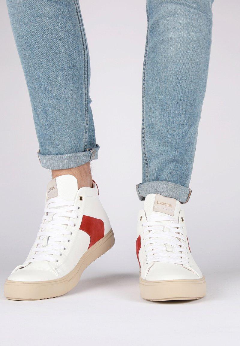Blackstone - Höga sneakers - white