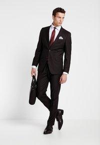 Bugatti - SUIT REGULAR FIT - Suit - bordeaux - 1