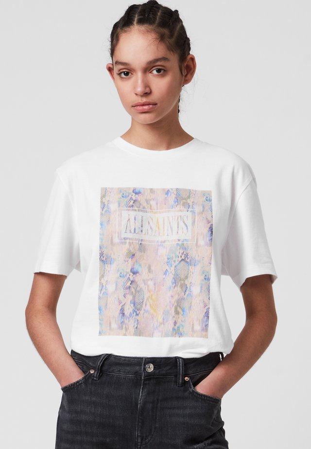 MALOX BOYFRIEND TEE - Print T-shirt - white