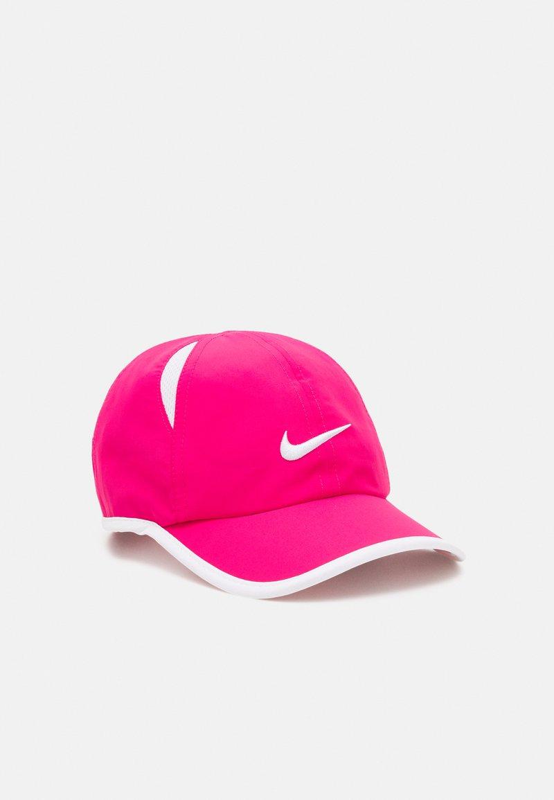 Nike Sportswear - NAN FEATHERLIGHT UNISEX - Kšiltovka - rush pink