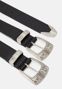 Pieces - PCLARAH OVERSIZED WAISTBELT - Waist belt - black/silver-coloured - 1