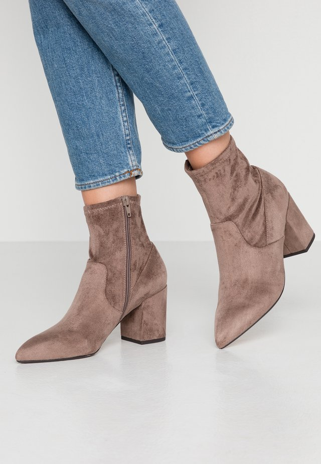 OLALISSA - Classic ankle boots - dark brown