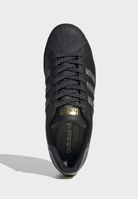 adidas Originals - SUPERSTAR SHOES - Trainers - black - 1