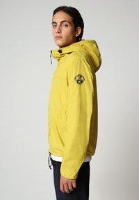 Napapijri - A-CIRCULAR - Outdoor jacket - yellow moss - 3