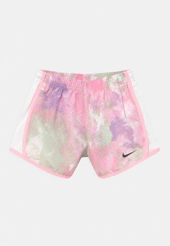 SKYDYE TEMPO  - Shorts - arctic punch