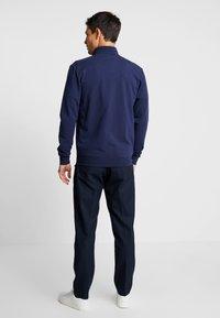 Guess - FOX TRACK  - Zip-up hoodie - blue navy - 2