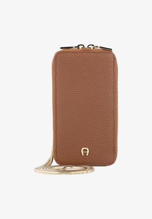 FASHION HANDY - Phone case - dark toffee brown