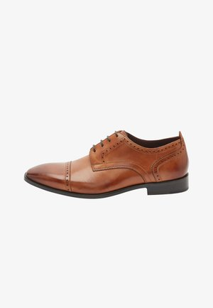 LEATHER PUNCHED TOE CAP DERBY - Stringate - brown