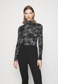 Vero Moda - VMFEABI - Langærmede T-shirts - black/filip - 0