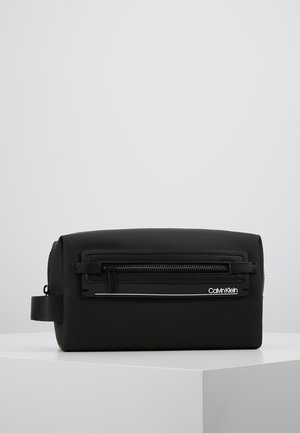 MOULDED WASHBAG - Neceser - black