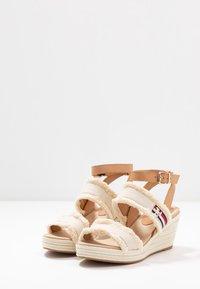 Tommy Hilfiger - FRINGES MID WEDGE  - Platform sandals - ivory - 4