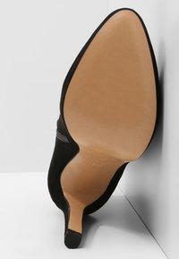 Pura Lopez - Botines de tacón - black - 5